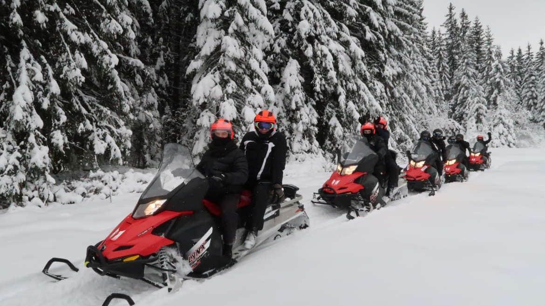 Wycieczki skuterami śnieżnymi coraz bardziej popularne